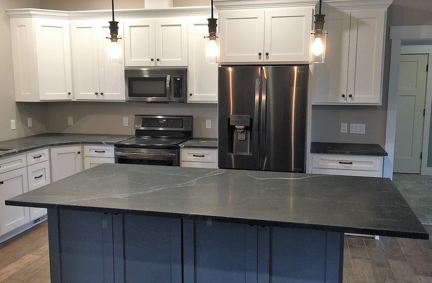 Silver Tapestry Kitchen, Granite Concept, KY
